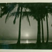 [031] Sunset or Sunrise Over the Ocean