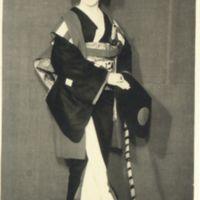 Kaizawa 1-092: Kabuki actor as a woman