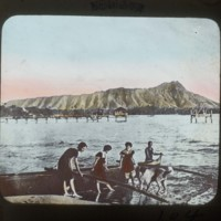 Honolulu, View of Diamond Head: ホノルルの名所ダイヤモンドヘッドの景