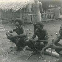 The mumi, Soni [sic, i.e. Soyi] (seated in middle)