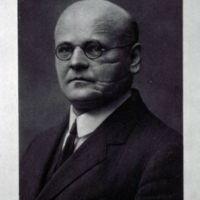 Dr. E. Sarfert