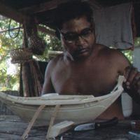 Mau Piailug making model canoe - 020
