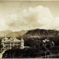Panoramic aerial view of Iolani Palace and Punchbowl