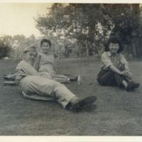 Kaizawa 2-082: James Kobayashi with two Japanese women…