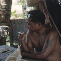 Mau Piailug making model canoe - 024