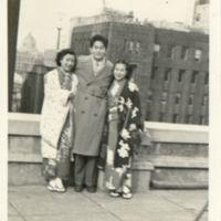 Kaizawa 3-020: Group photo of Ethel Uchida, Stanley…