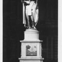 King Kamehameha statue at night