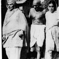 Begum Abdullah, Gandhi, & Khallida Abdullah.