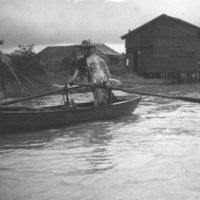 085. Boatman sculling, Pearl River