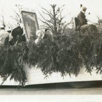 Kaizawa 3-008: Christmas float with parade participants…