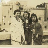 Kaizawa 3-019: Group photo of Ikuko Endo 遠藤郁子, Emiko…
