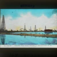 Oilfields at Tampico: タンピコの石油の池