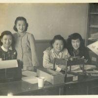 Kaizawa 3-015: Group photo of Ikuko Endo, Emiko…