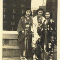 Kaizawa 3-021: Group photo of Ikuko Endo, Emiko…