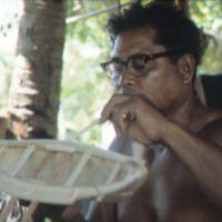 Mau Piailug making model canoe - 008