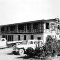 New Yap Hotel construction, 1965. (N-2714.03).