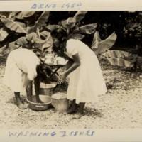 Arno 1950 - Washing Dishes