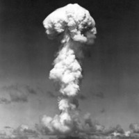 Atomic bomb test over Bikini Atoll, 1946 (mushroom…