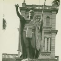 [035] Kamehameha I Statue