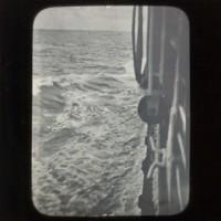 Ocean: [海]